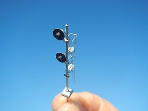 N Scale Santa Fe/C&O Pole Mount Searchlight Signal Kit-Showcase Miniatures (522)
