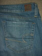 AMERICAN EAGLE True Boot Stretch Medium Blue Denim Jeans Womens Size 6 R x 32