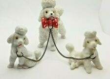 """Vtg Figurine White Mother Poodle Dog holding 2 Puppies on Chain 3"""" tall"""