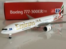 "Herpa Wings 1:500 Emirates Boeing 777-300ER ""Hamburger SV"" AVIATIONMODELSHOP"