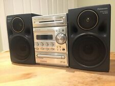 Kenwood Compact Hi-Fi Conponent System CD, Cassette Tape, AM/FM Stereo RXD-M66