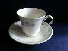 Aynsley poco cariño Taza de Té y Platillo