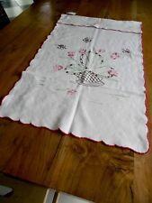 1 rideau fait main en coton avec broderies couleur 82 x 61 cms