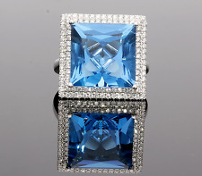 18CT WHITE GOLD  BLUE TOPAZ & DIAMOND CLUSTER RING