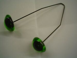 2 x PAIRS 11-12 mm GREEN GLASS TEDDY /ANIMAL EYES ON WIRES