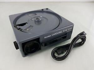 Kodak Carousel S-AV 2020 35mm Projector