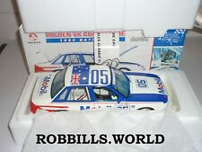 1/18 CLASSIC 1983 BATHURST WINNER HOLDEN VH COMMODORE #25 BROCK HARVEY #18305