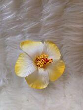 HAWAIIAN HIBISCUS 2 TONE YELLOW/WHITE FOAM FLOWER HAIRCLIP FANCY DRESS ACCESSORY