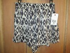 NEW* Billabong CRINKLE SHORTS $40 Ladies M Pockets Ivory Black Comfy