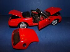 1/18 HARD TO FINE MAISTO 2002 FORD THUNDERBIRD ROADSTER WITH TOP IN RED