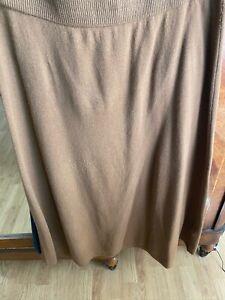 Massimo Dutti brown wool skirt elasticated waist size large. BNWT A line