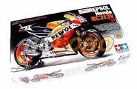 Tamiya Motorcycle Model 1/12 Motorbike REPSOL Honda RC213V 14 Hobby 14130