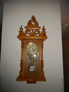 DEA CHIME WALL SOLID OAK PENDULUM CLOCK WITH CARVED HORSE DECOR ON TOP-KEY WOUND