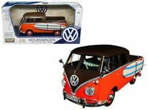 1:24 VW Kombi Type 2 (T1) Pickup w/Surfboard -- MotorMax Volkswagen