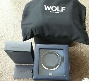 WOLF CUBS  461117 Single Watch Winder with Cover in Navy (mains or battery)
