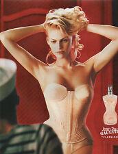 """Publicité Advertising 2002  Parfum  JEAN PAUL GAULTIER """" CLASSIQUE """"  pour femme"""