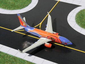 Gemini Jets Southwest 737-700 Diecast 1/400 Model N224WN Slam Dunk One