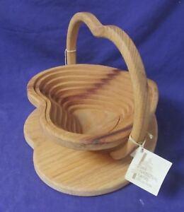 Calapsable Wood Heart Basket