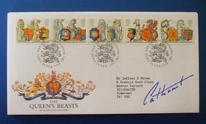 1998 THE QUEENS BEASTS FIRST DAY COVER SIGNED BY THE EARL CATHCART