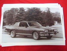1985 PONTIAC GRAND PRIX  11 X 17  PHOTO   PICTURE