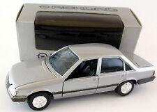 Gama Mini 1176 Opel Rekord E2 Limousine 1982-1986 4-Türig silber metallic 1/43