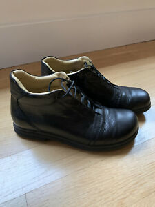 READ Footprints By Birkenstock Black Leather Lace Up Chukka Boots Size 9 / 40