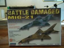 Lindberg 70961 Battle Damaged MIG-21 model kit 1/72 Model Kit New
