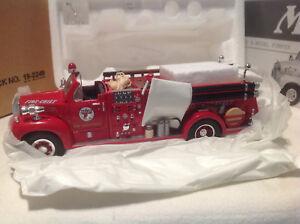 TEXACO FIRE CHIEF 1960 B-MODEL PUMPER OPEN CAB FIRST GEAR #19-2249 1:34
