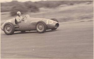 FERRARI  CAR No.15, A.ASCARI, BRITISH GRAND PRIX SILVERSTONE JULY 1952 PHOTO.