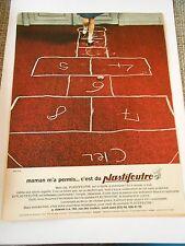 PUB Plastifeutre la marelle Advert Print 1966