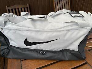 Nike Brasilia 9.0 Sports Bag Size Large 60 Litre Duffel Holdall Gym Brand New