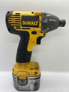 """DeWALT 18V Cordless Impact Wrench 3/8"""" w/ Battery and Charger (CGM019610)"""