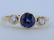 18 CT Yellow gold 1.38 CT Cornflower blue Sapphire Diamond ring