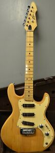 Peavey T-30 Electric Guitar USA Made Early 1980's In Original Hard Case NICE