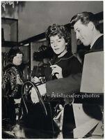 Rita Hayworth, shopping in Mailand, Original-Photo von 1961