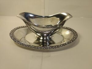 Wm Rogers Silverplate Double Sided Gravy Boat With Attached Underplate hd1089