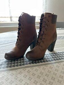 Timberland Damen Glancy 6 Inch Chukka Boots Braun OVP 2x rechter Schuh