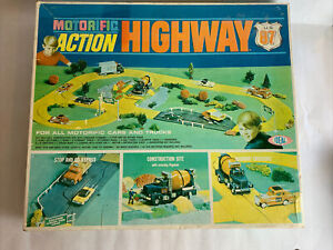 1968 Ideal Motorific Action Highway US 87 Track Set With Concrete Truck