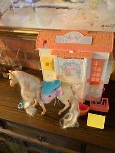 1995 Vintage Mattel Barbie Horse Stable + Horse & Accessories