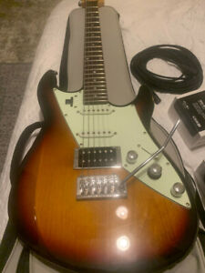 Line 6 JTV-69 James Tyler Variax Guitar ... Excellent, Case, Cord ,Charger USB