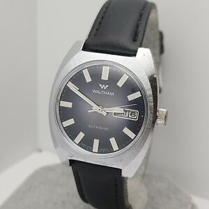 Vintage Waltham CT303 5006 men's Automatic watch day/date black dial 1970s