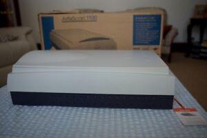 Microtek - ArtixScan 110 Dual Media Colour Flatbed Color Scanning System