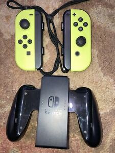 AMAZING RARE Nintendo Joy-Con (L/R) Controllers for Switch /Neon Yellow +GRIP