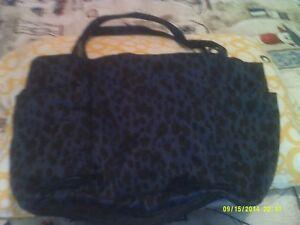 Gap tote/ overnight bag