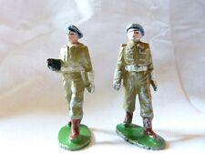 QUIRALU - 2 bérets verts - officier et soldat - ref Q15