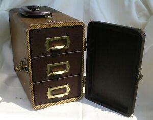 Barnett & Jaffe Case: Uses: Crafts, Jewelry, Hobby, Parts, 2x2 Slides, Smalls.