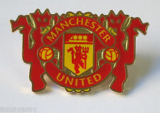 Official Manchester United - Red Devils & Crest Pin / Badge (NEW in Packaging)