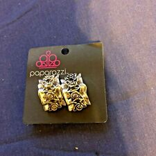 Paparazzi Earrings Clip-On (new) Bud and Breakfast Silver