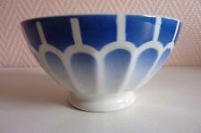 1 petit bol à facettes sur le pourtour bleu & blanc réf- 1