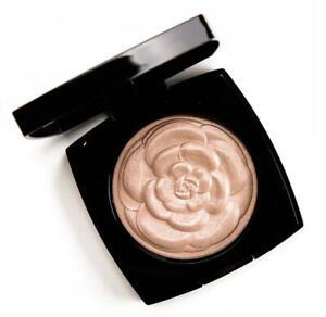 Chanel Camelia De Chanel Illuminating Powder Highlighter Limited Edition 0901
